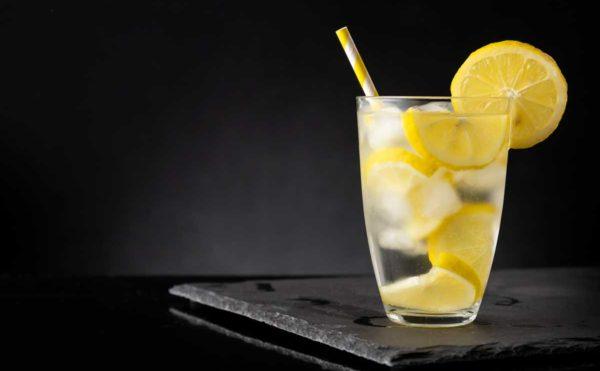 レモンサワーのグラス