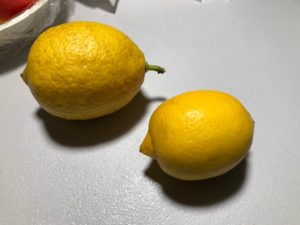 新鮮なレモン